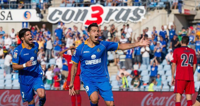 Nicolas Ladislao Fedor Flores celebrates for Getafe