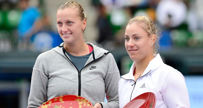 Petra Kvitova (l): With the spoils of her title success after Saturday's final in Tokyo