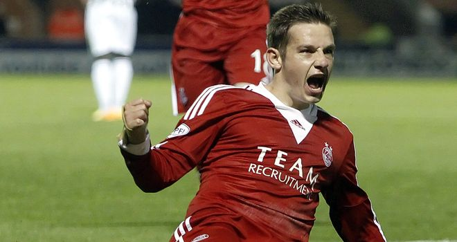 Peter Pawlett: Late equaliser for Aberdeen at St Mirren