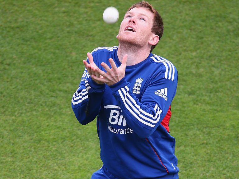 Eoin Morgan: Has a knee problem