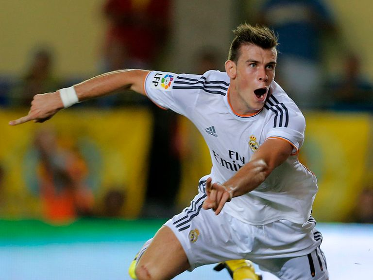 Gareth Bale: Manchester United want to sign him