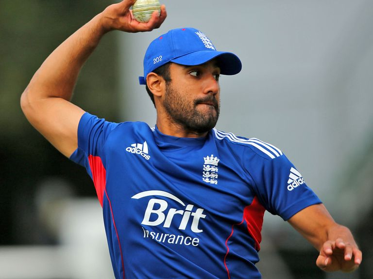 Ravi Bopara: Will stay at Essex for the 2014 campaign