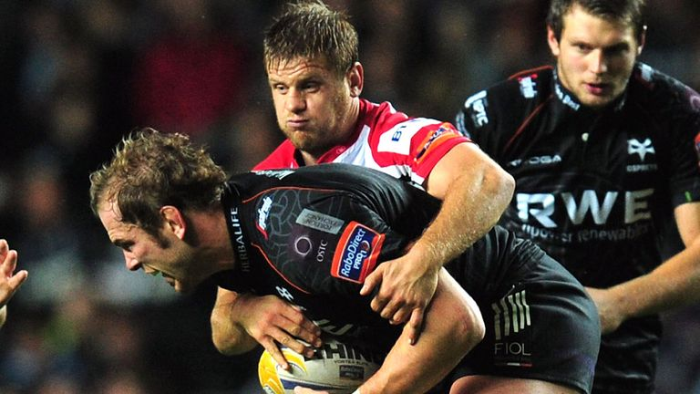Chris Henry to stay at Ravenhill until 2017