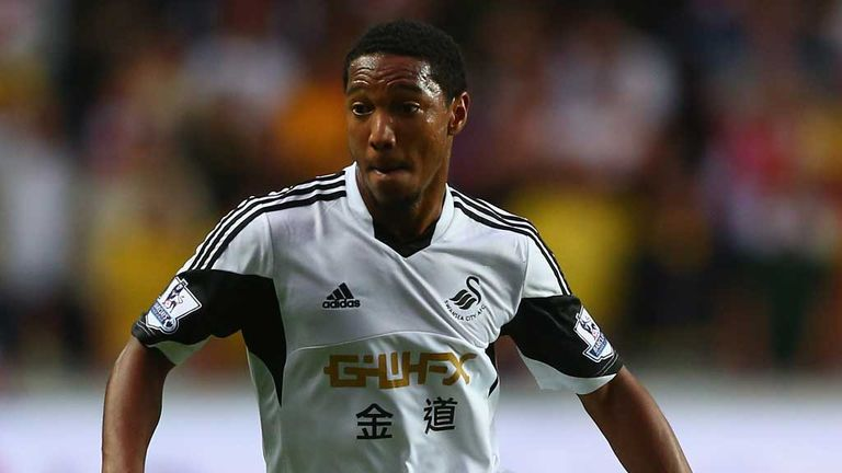 Jonathan de Guzman: Knows Swansea must improve home record