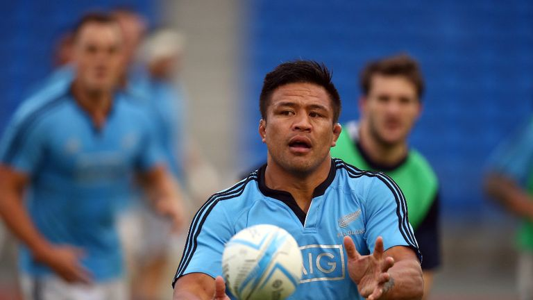Keven Mealamu trains at Ellis Park ahead of Saturday's showdown