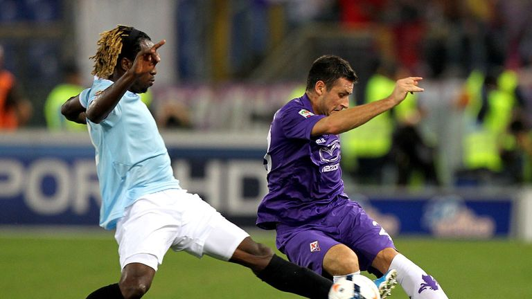 Manuel Pasqual (r): Fiorentina captain will remain at the club until 2015