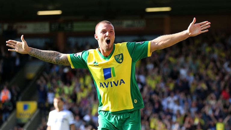 Anthony Pilkington: Swansea make £3m bid
