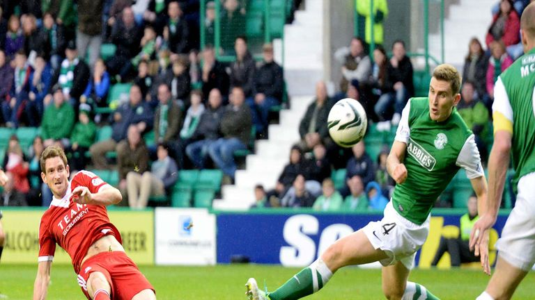 Scott Vernon: Aberdeen striker scores in the 2-0 victory over Hibernian