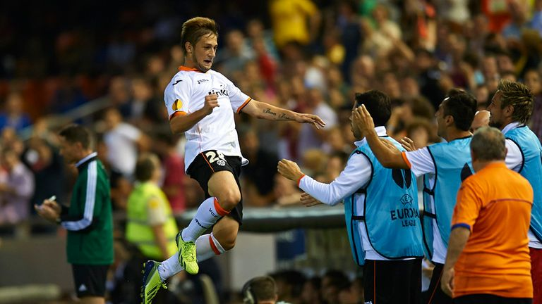 Fede Cartabia: Celebrates Valencia's second goal