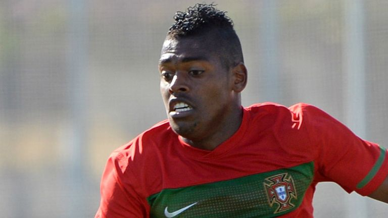 Ivan Cavaleiro: Happy to stay at Benfica