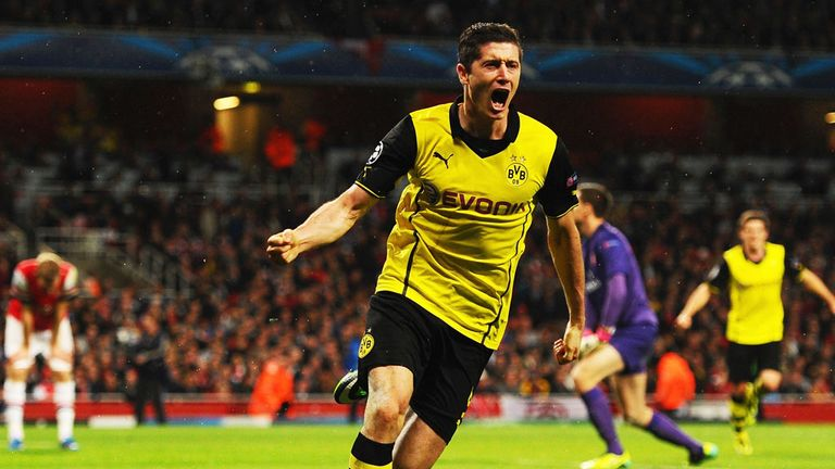 Robert Lewandowski: Borussia Dortmund has signed a five year contract with Bayern Munich
