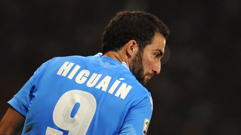 Gonzalo Higuain: May miss Arsenal game through injury