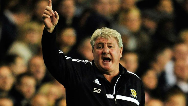 Steve Bruce: Thinks Hull can stay up with a handful of wins