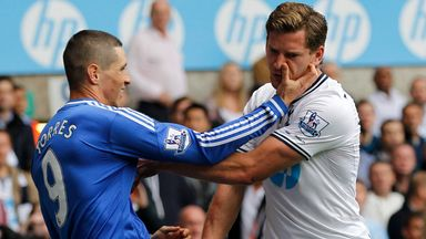 Fernando Torres and Jan Vertonghen clash at White Hart Lane