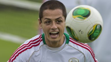 Javier Hernandez: Man United striker picked up knee injury with Mexico