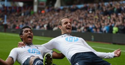 Paulinho (l) and Roberto Soldado (r): Celebrate goal against Aston Villa