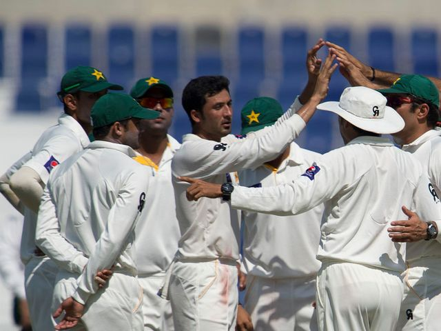 Pakistan celebrate against South Africa