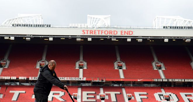 Stretford End Flags spokesman urge fans to get there early