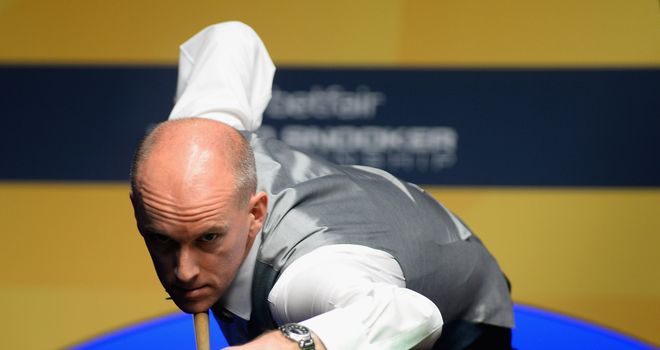 Peter Ebdon progresses at Neil Robertson's expense on Wednesday