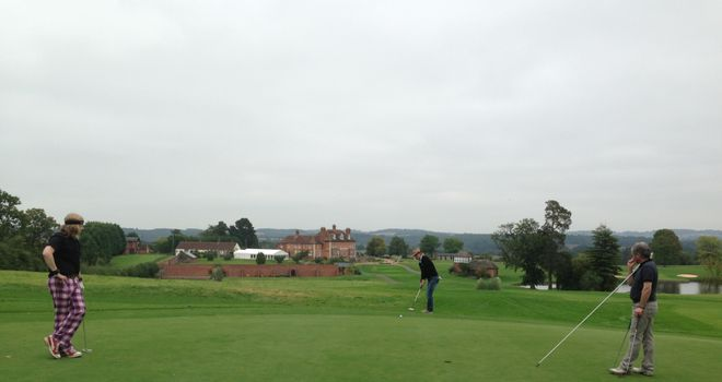 KK Downing putts on his championship course at Astbury Hall
