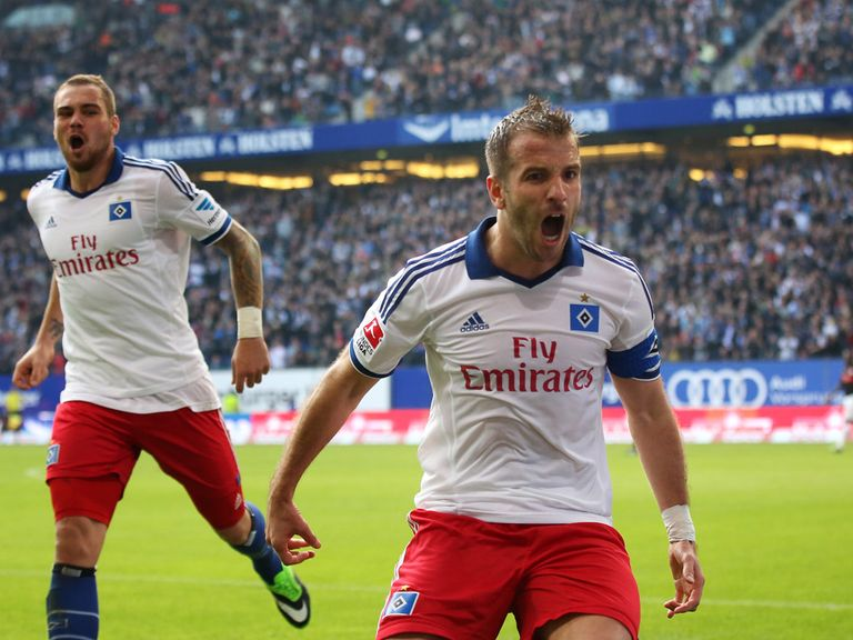 Van der Vaart celebrates after netting Hamburg's third equaliser