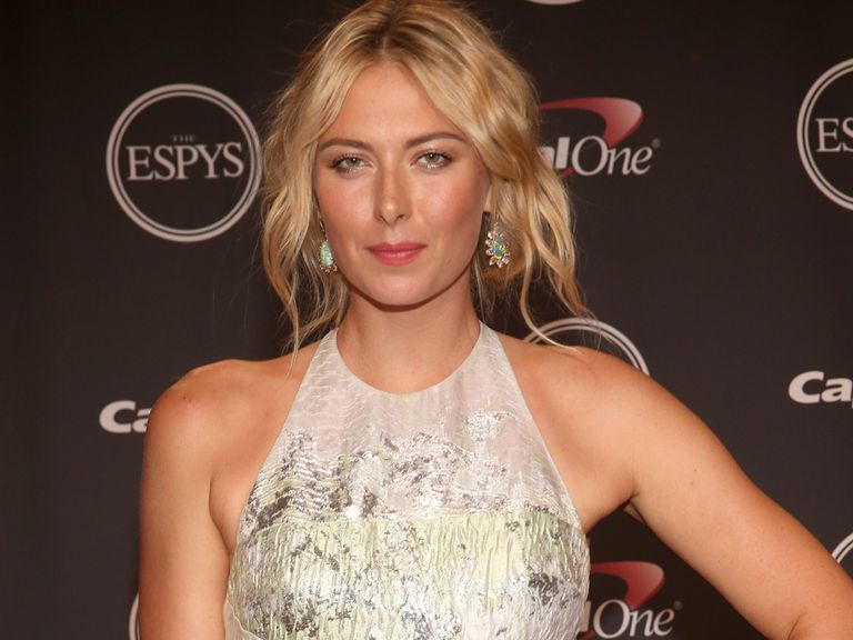 Sharapova: Hired a new coach