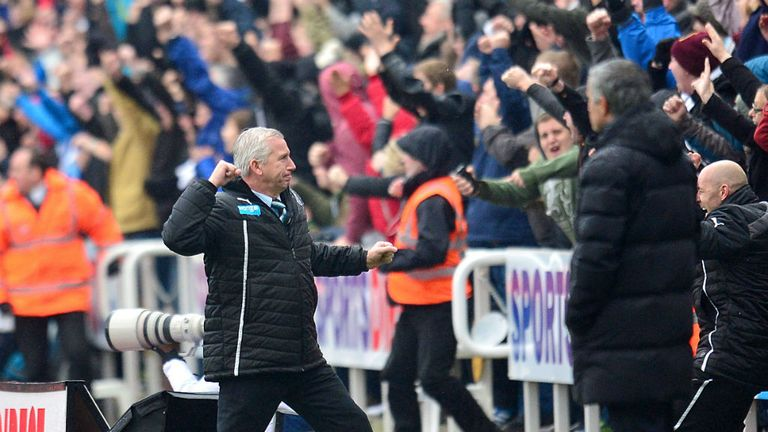 Alan Pardew: Newcastle boss celebrates Yoan Gouffran's header