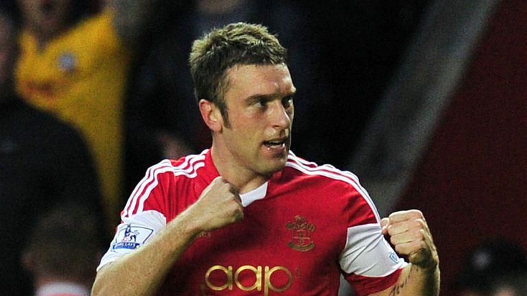 Rickie Lambert: Looking for Southampton to maintain fighting spirit