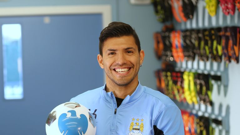 "Sergio Aguero: Manuel Pellegrini praises ""incredible"" striker"