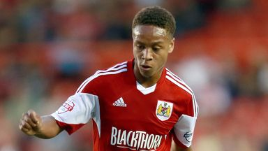 Bobby Reid: Completes move back to Plymouth