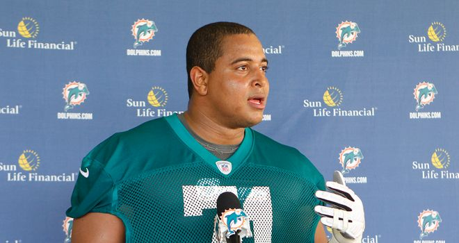 Jonathan Martin: Leaves Miami Dolphins following 'bullying' scandal