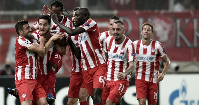 Olympiakos celebrate Kostas Manolas' winner