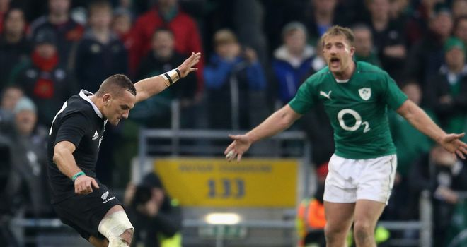 Aaron Cruden takes his first kick as Ireland charge up
