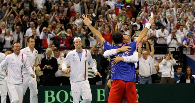 Radek Stepanek celebrates winning the deciding rubber