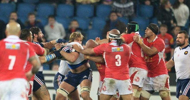 Yoann Maestri and Sona Taumalolo brawl during Saturday's match