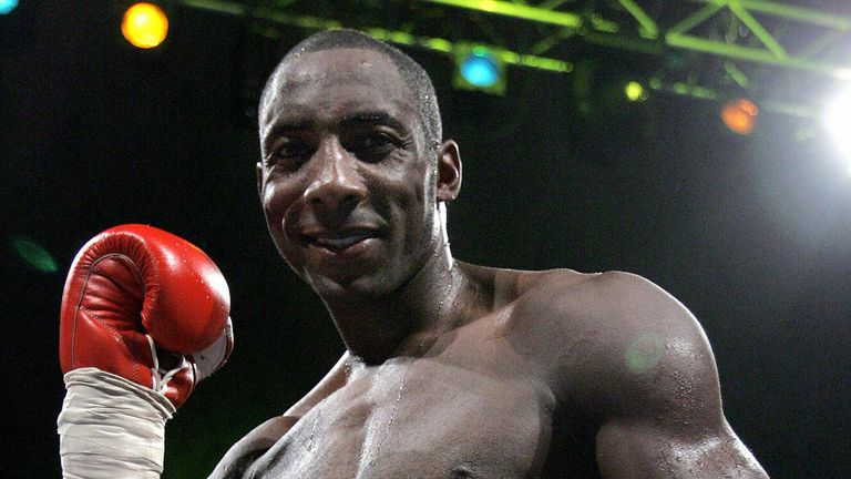 Johnny Nelson celebrates his victory over his Italian opponent Vincenzo Cantatore during their WBO World Championship Cruiserweight title fight at Palazzetto dello Sport in  Rome, 26 November 2005