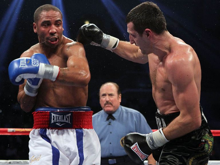 Andre Ward (l) was an impressive winner against Briton Carl Froch