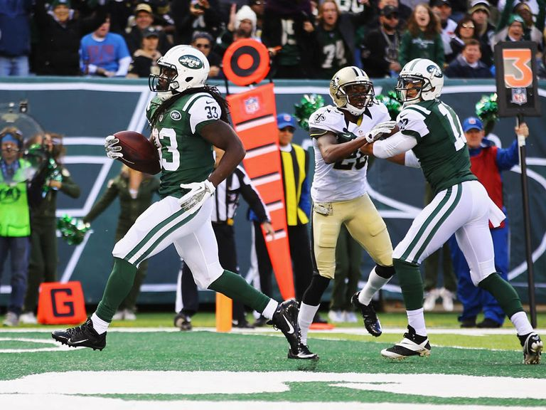 Chris Ivory powers in for a Jets touchdown.