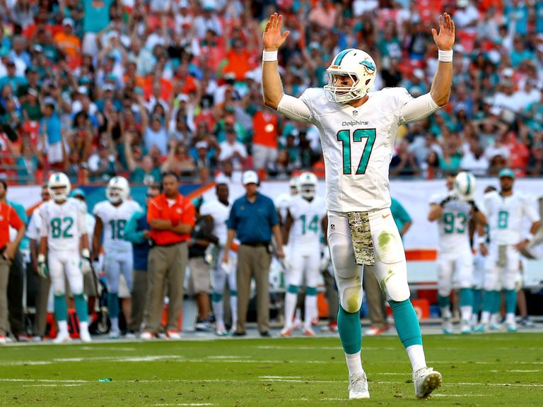 Ryan Tannehill celebrates a touchdown