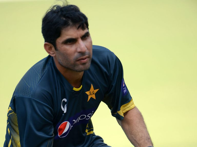Misbah-ul-Haq: Pakistan skipper says his side respond well to pressure