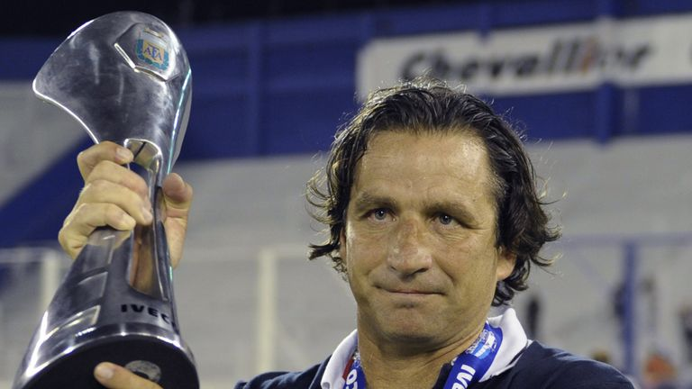 Juan Antonio Pizzi: Takes over at Valencia