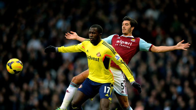 Jozy Altidore: Sunderland striker tussles with James Tomkins