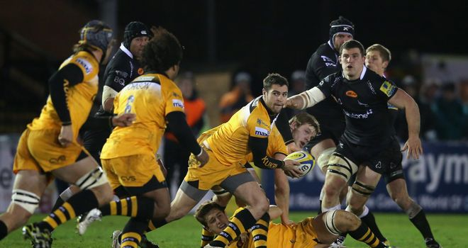 Charlie Davies: Spins out a pass for Wasps