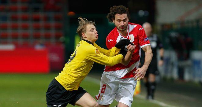 Simon Hedlund and Alessandro Iandoli: Battle for the ball