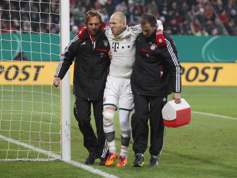 Arjen Robben: Sustained a deep cut in his knee