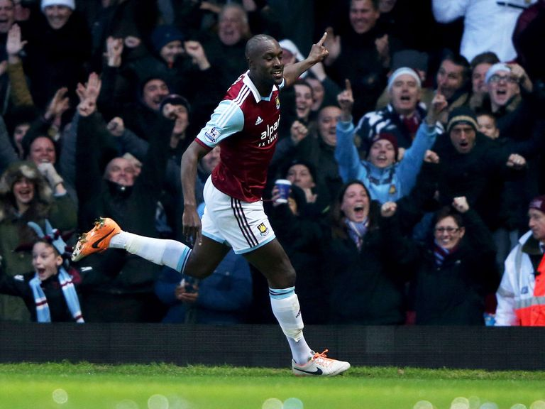 Carlton Cole: West Ham striker in talks over a new deal