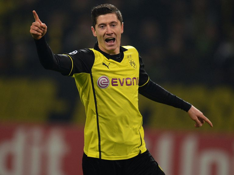 Robert Lewandowski: Set to sign five-year deal with Bayern