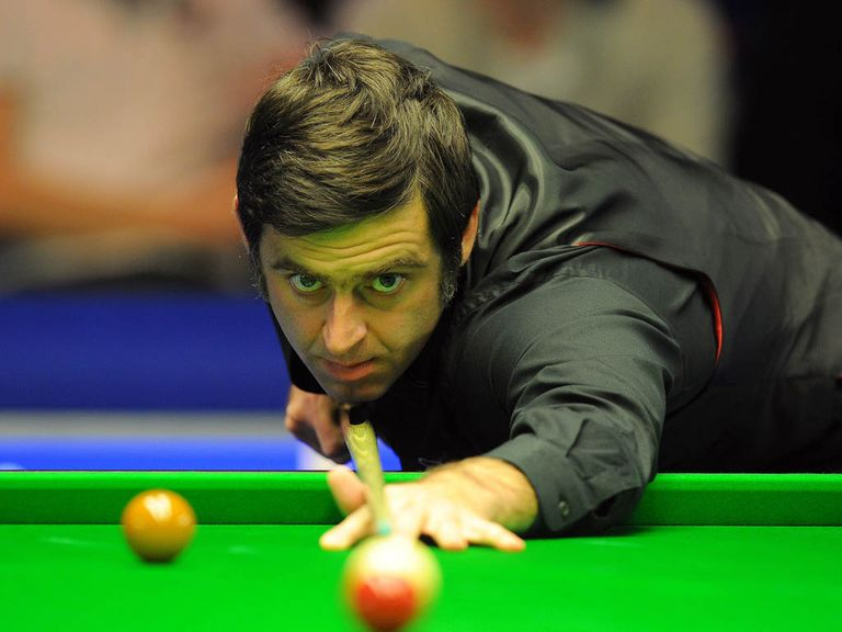Ronnie O'Sullivan: Through to the last 16