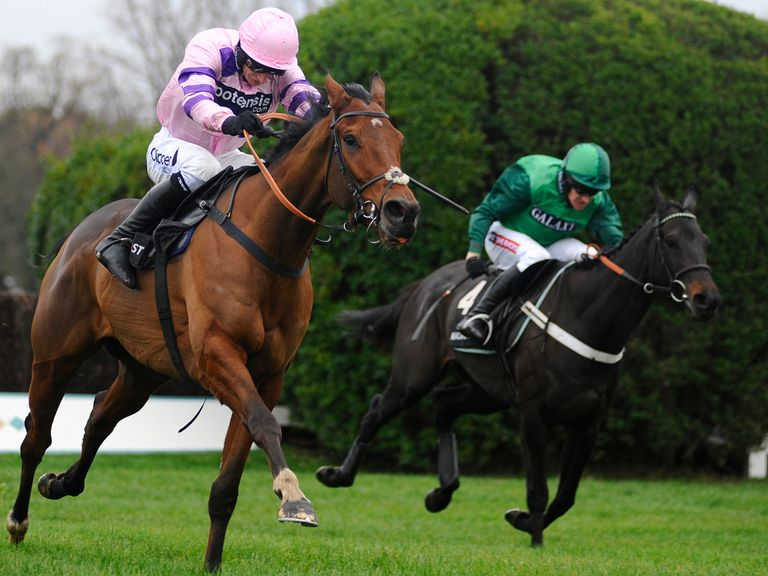 Grandout (green): Can score over fences at Kempton