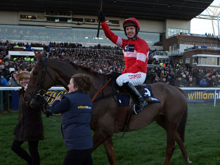 Noel Fehily: Takes the ride on Un Anjou